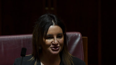 Crossbench Senator Jacqui Lambie is open to voting for the federal government union-busting bill if her amendments are agreed to.