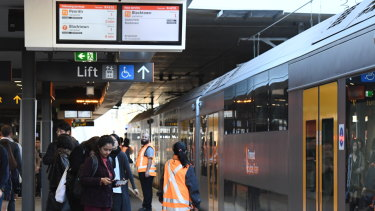 Trains running every three minutes from Chatswood kept the platform clear between 8.30 and 9am on Monday.
