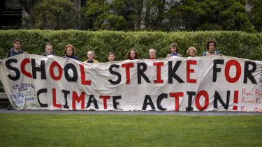 Climate change: Tens of thousands of students protest ...