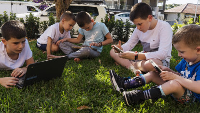 Internet speed boost for Qld schools as audit shows NSW 200 times faster