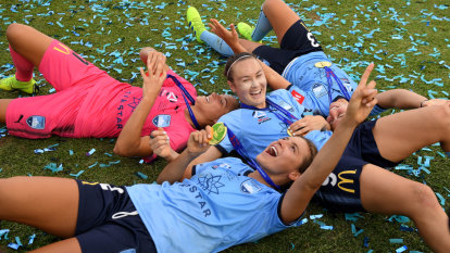 Glory coach bemoans state of pitch for W-League grand final