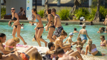 Queenslanders should expect a hot and dry summer this year.