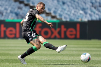 Alessandro Diamanti played a leading role for Western United before limping off and there are concerns over his fitness.