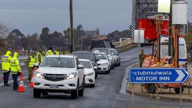 Federal MPs and business groups are pushing governments to be clearer about border restrictions.