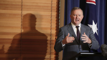 Opposition Leader Anthony Albanese has accused the government of ignoring warnings about their superannuation early access scheme.