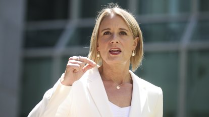 Labor's Kristina Keneally met with head of United Front group
