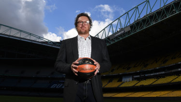 Luc Longley has been assured basketball at Etihad Stadium will work.