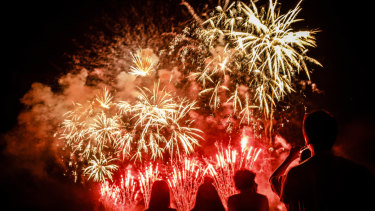 Canberra Times photographer Sitthixay Ditthavong says you don't need fancy equipment to take spectacular photos of fireworks.