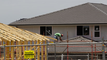 More home owners falling behind on mortgage as debt climbs