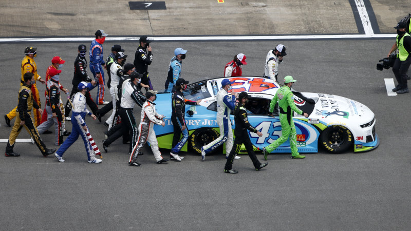 NASCAR drivers show support for Bubba Wallace after noose found in garage – Sydney Morning Herald