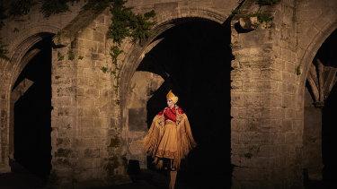 Romances Inciertos, un autre Orlando, Francois Chaignaud's three-act extravaganza.