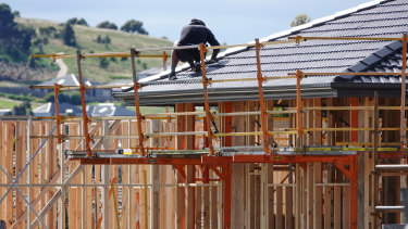 The federal government's housing sector advisory corporation expects supply to exceed demand by 268,000 dwellings over coming years before correcting as the international border reopens.