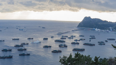Chinese fleets anchored in Sadong port, Ulleung-do, South Korea due to bad weather in North Korean waters.