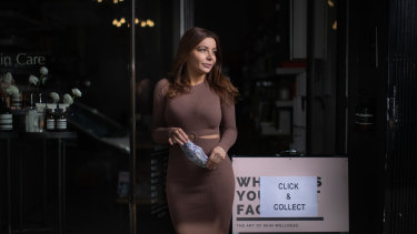 Melbourne business owner Sia Psicharis has called for beauty salons to be able to open in October.