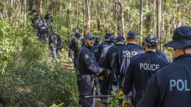 Police and SES in Kendall as part of the William Tyrrell investigation.