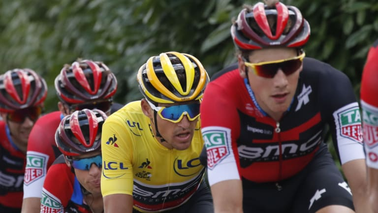 Richie Porte and other cyclists.