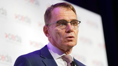 BHP chief Andrew Mackenzie to exit three months early