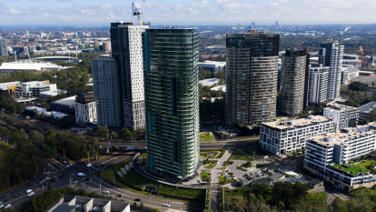 Watchdog orders more defects to be fixed in Sydney's Opal Tower