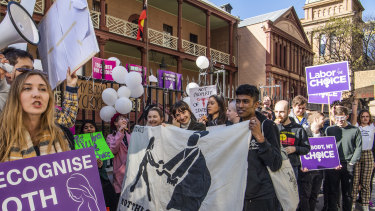 Supporters and opponents of the bill to decriminalise abortion rallied outside NSW Parliament on Tuesday.