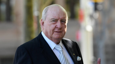 Broadcaster Alan Jones has settled a lawsuit with SBS.