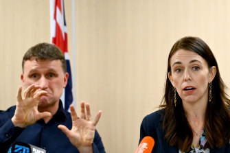 Prime Minister Jacinda Ardern warns that after the seven-day grace period, New Zealanders in Australia must take their chances booking a place in hotel quarantine.
