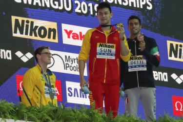 Mack Horton refuses ta share podium wit Sun Yang afta Chinese star wins ghetto title
