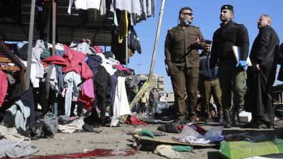 Iraqi security chiefs fired after IS claims Baghdad market attack