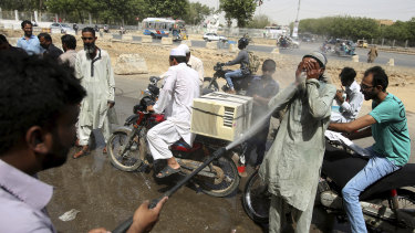 The Pakistani weather bureau has issued a heatwave alert for three days.