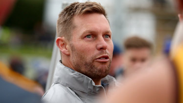 Sam Mitchell will take over the Hawthorn senior role from Clarkson in 2023.