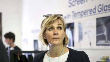 Zali Steggall's focus on climate and social issues appeals to the wealthier voters in the seat of Warringah.