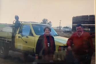 Ian and Betty O'Connor with the ute Thomas Mitchell crashed.