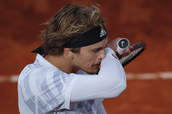 Alexander Zverev admitted after the match that he should not have played.