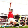 Arsenal come back to draw with Spurs, Everton edge out Wolves