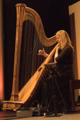 The captivating Floraleda Sacchi and her harp.
