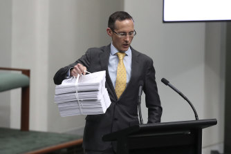 Labor MP Andrew Leigh has tabled Kevin Rudd's petition, backed by more than 500,000 people, calling for a royal commission on media diversity.
