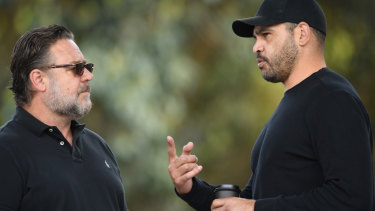 Russell Crowe with retired Rabbitohs legend Greg Inglis.