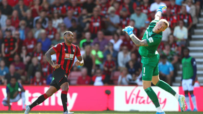 Arsenal squander lead at Watford, Bournemouth sink Everton