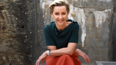 Deborah Knight will take over from Steve Price on 2GB but continue as a Nine newsreader.