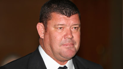 James Packer fights push to limit Crown ownership, force share sale