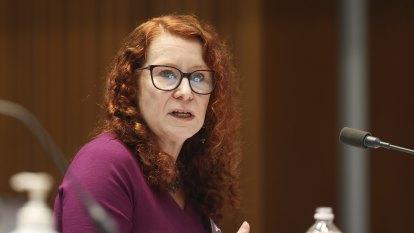 Senators tell AAT it can't keep secret the names of its slow workers
