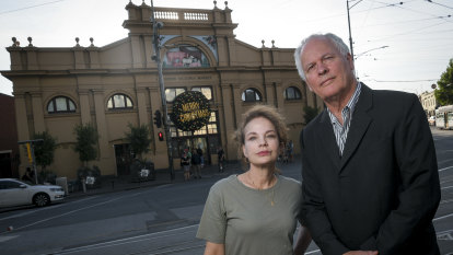 'Battle fatigue': Star joins fight against changes to Queen Vic Market
