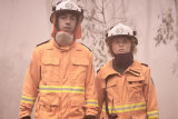 Hunter Page-Lochard and Eliza Scanlen play a pair of young volunteer firefighters.