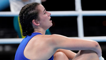 Skye Nicolson breaks down in tears after losing in the quarter-finals of the women's feather