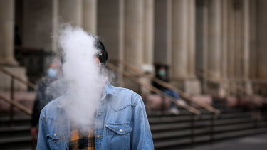 A Senate inquiry into vaping will hold its first public hearing on Friday.