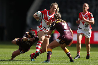 Kezie Apps carts the ball up against Brisbane in  round one.