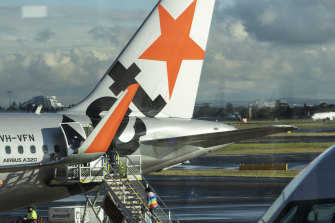 Jetstar cancelled most international flights that were scheduled up until to October 25 on Tuesday.