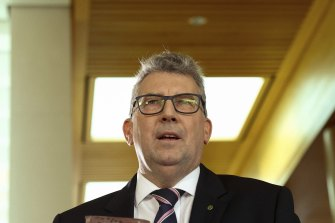 Resources Minister Keith Pitt will impose a levy on the oil and gas industry to recover the cost of decommissioning an offshore oil and gas rig.