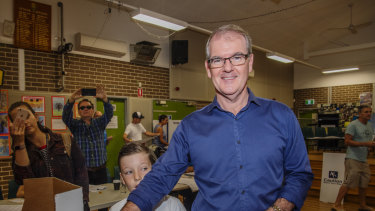 Michael Daley voting at Chifley Public School on Saturday.