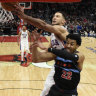 Simmons nabs 18 as 76ers fall to Chicago