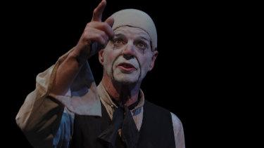 Colin Friels as Scaramouche Jones.